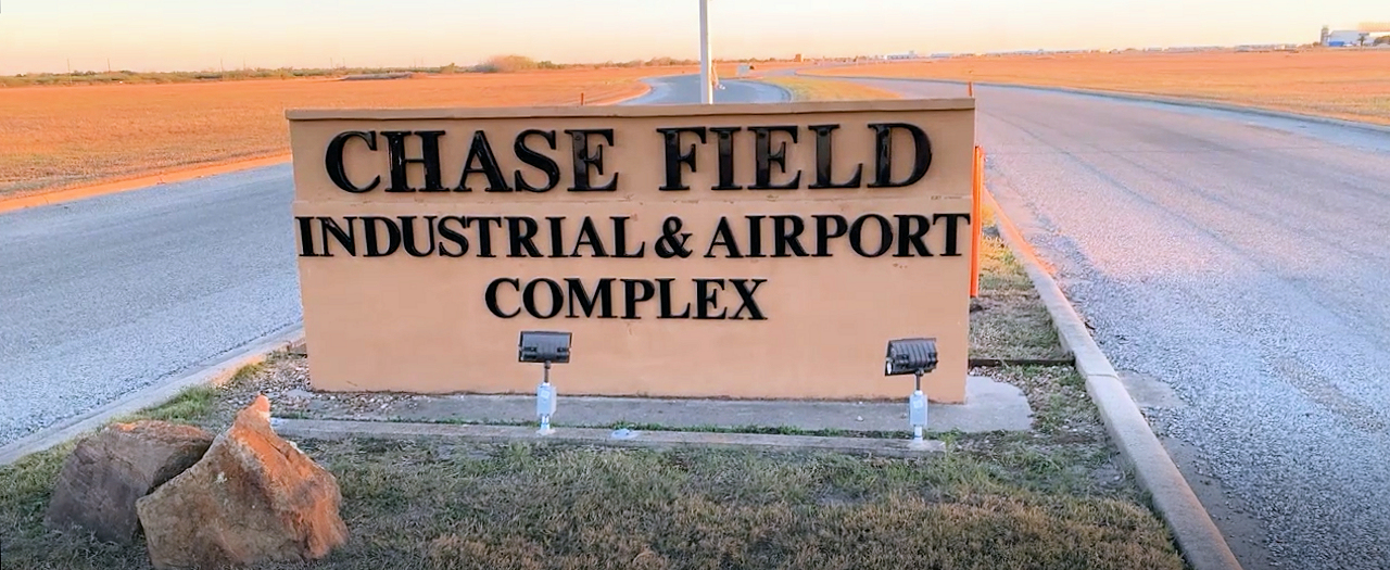 CHASE FIELD INDUSTRIAL AIRPORT & COMPLEX